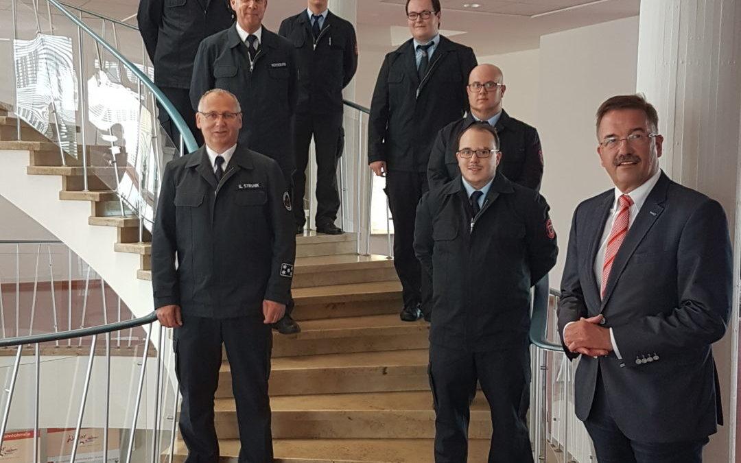 Ehrenverbeamtung neuer Wehrführer im Rathaus