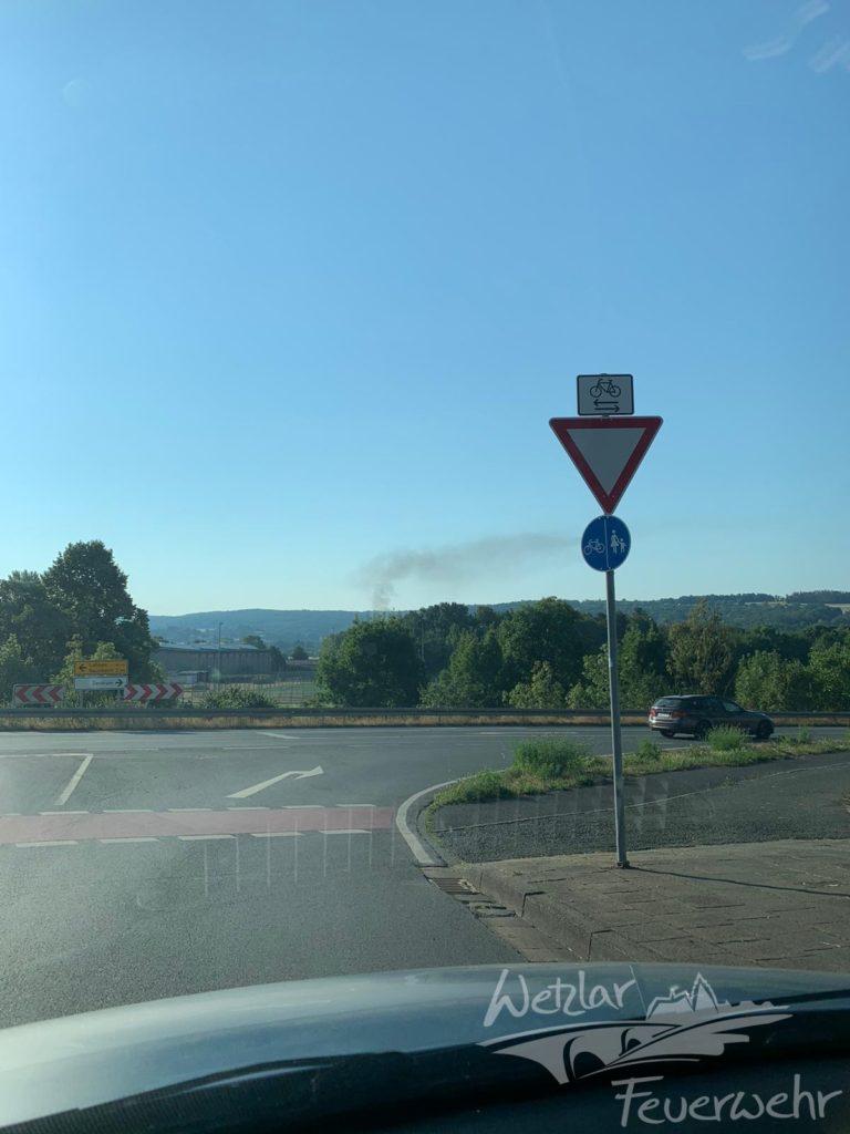 PKW Brand auf der B49