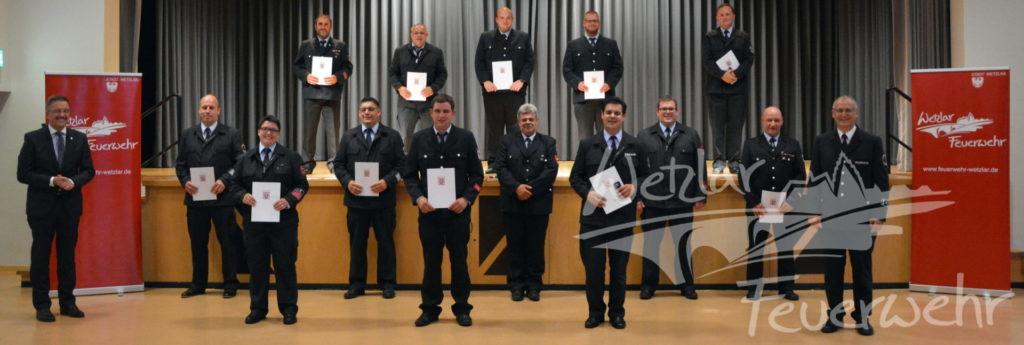Stadt Wetzlar ehrt langjährige Brandschützer der Feuerwehr Wetzlar
