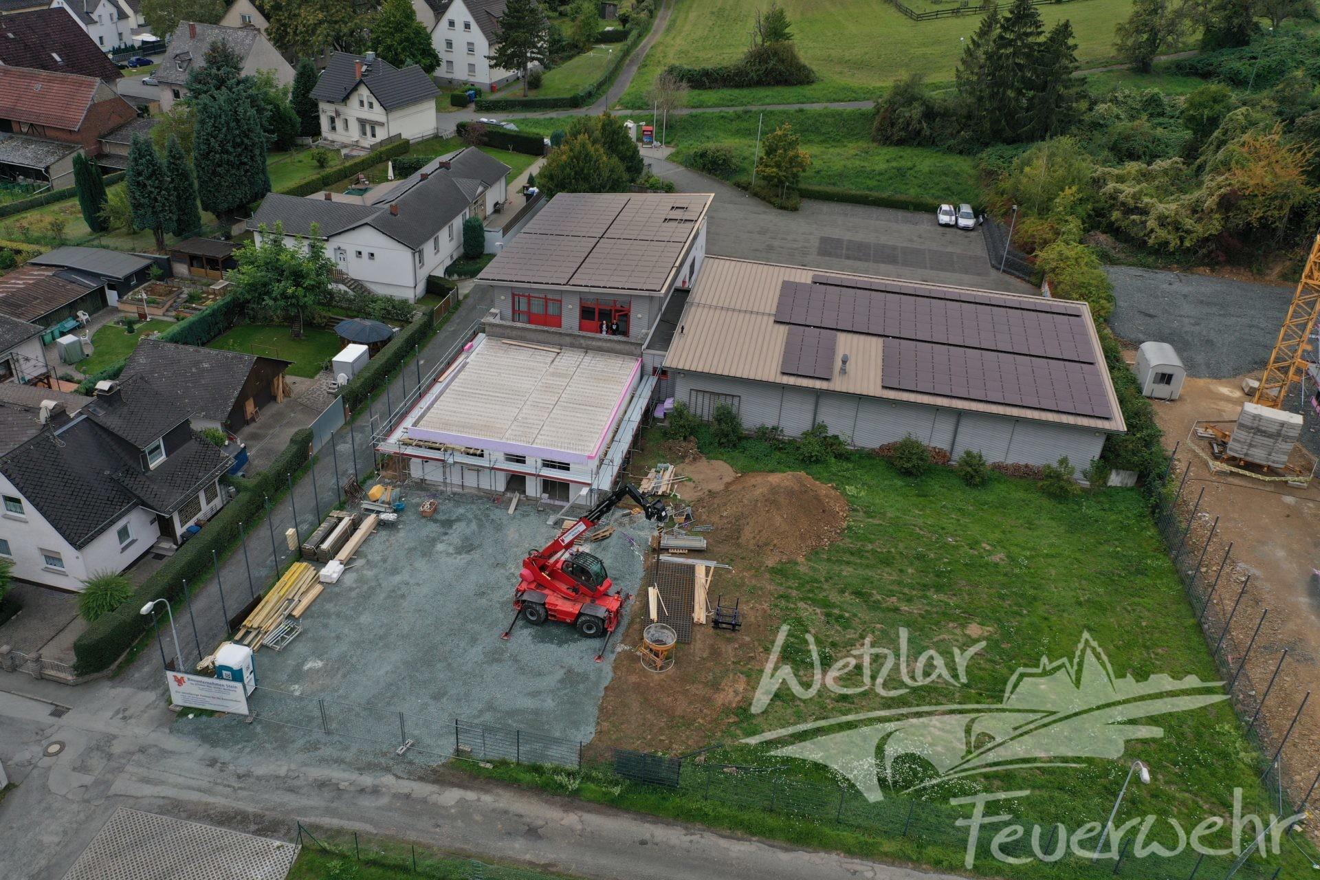 Auf der Rasenfläche am rechten Bildrand wird das Containerdorf errichtet werden.