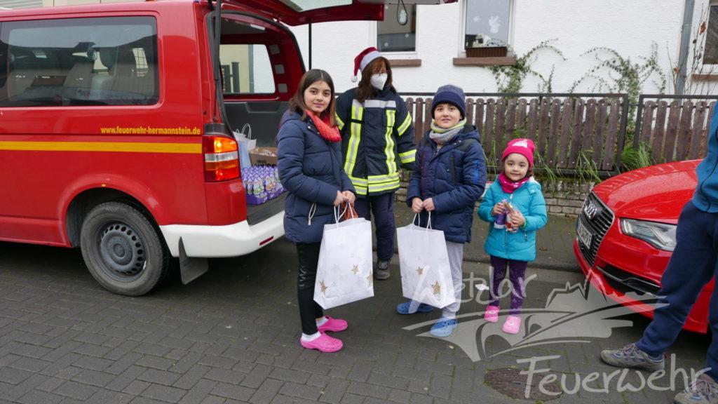 Geschenke zu Nikolaus für Kinder der Kinderfeuerwehren