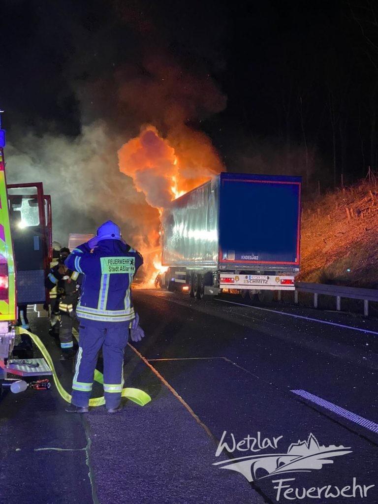 LKW Brand auf der A45